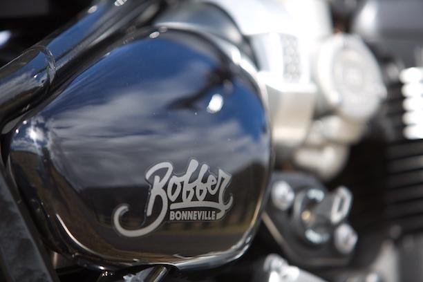 Triumph Bonneville Bobber 2017 side cover