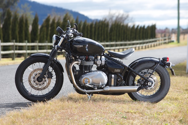 Triumph Bonneville Bobber 2017 left side static