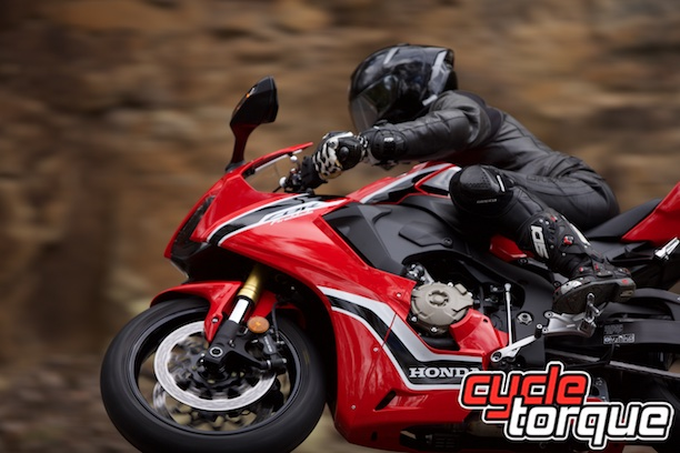 honda cbr1000rr fireblade action putty road static