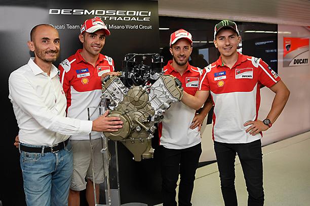 Unveiling Ducati Desmosedici Stradale V4 engine Domenicali Pirro Dovizioso
