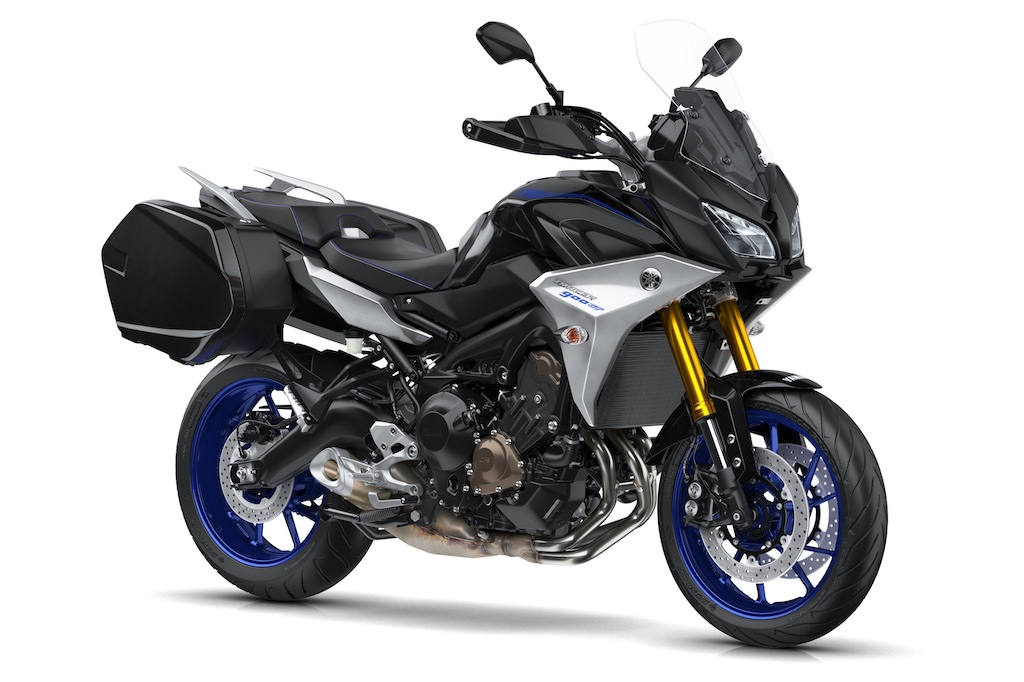 2018 yamaha Tracer 900 front three quarter right studio