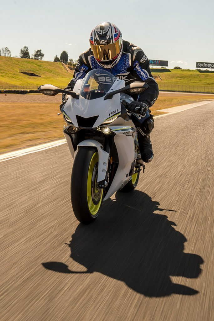 2017 Yamaha YZF-R6 tracking sydney motorsport park