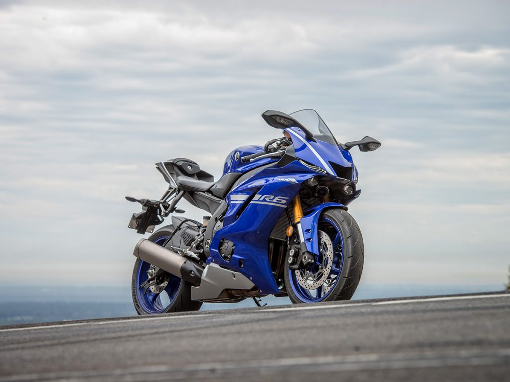 2017 Yamaha YZF-R6 launch static front three quarter wide angle