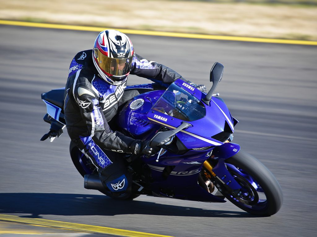 2017 Yamaha YZF-R6 action front three quarter left sydney motorsport park