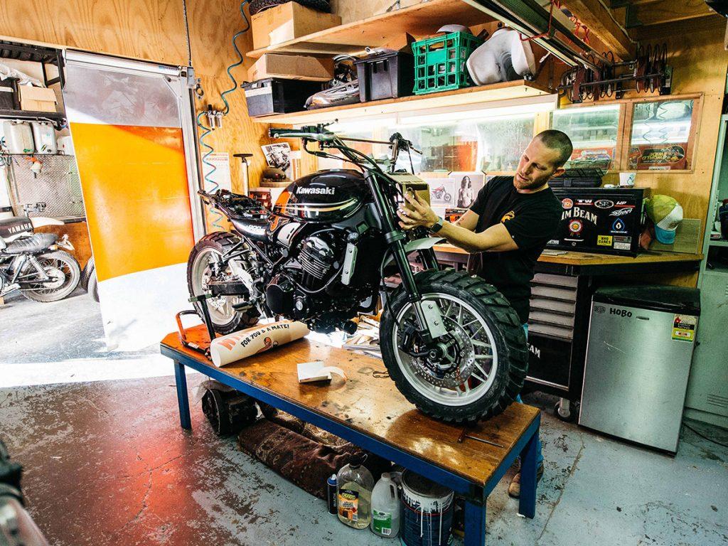 Kawasaki Z900RS unveiled deus sydney workshop static